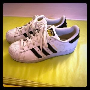 Adidas original sneaker. Only worn couple times.